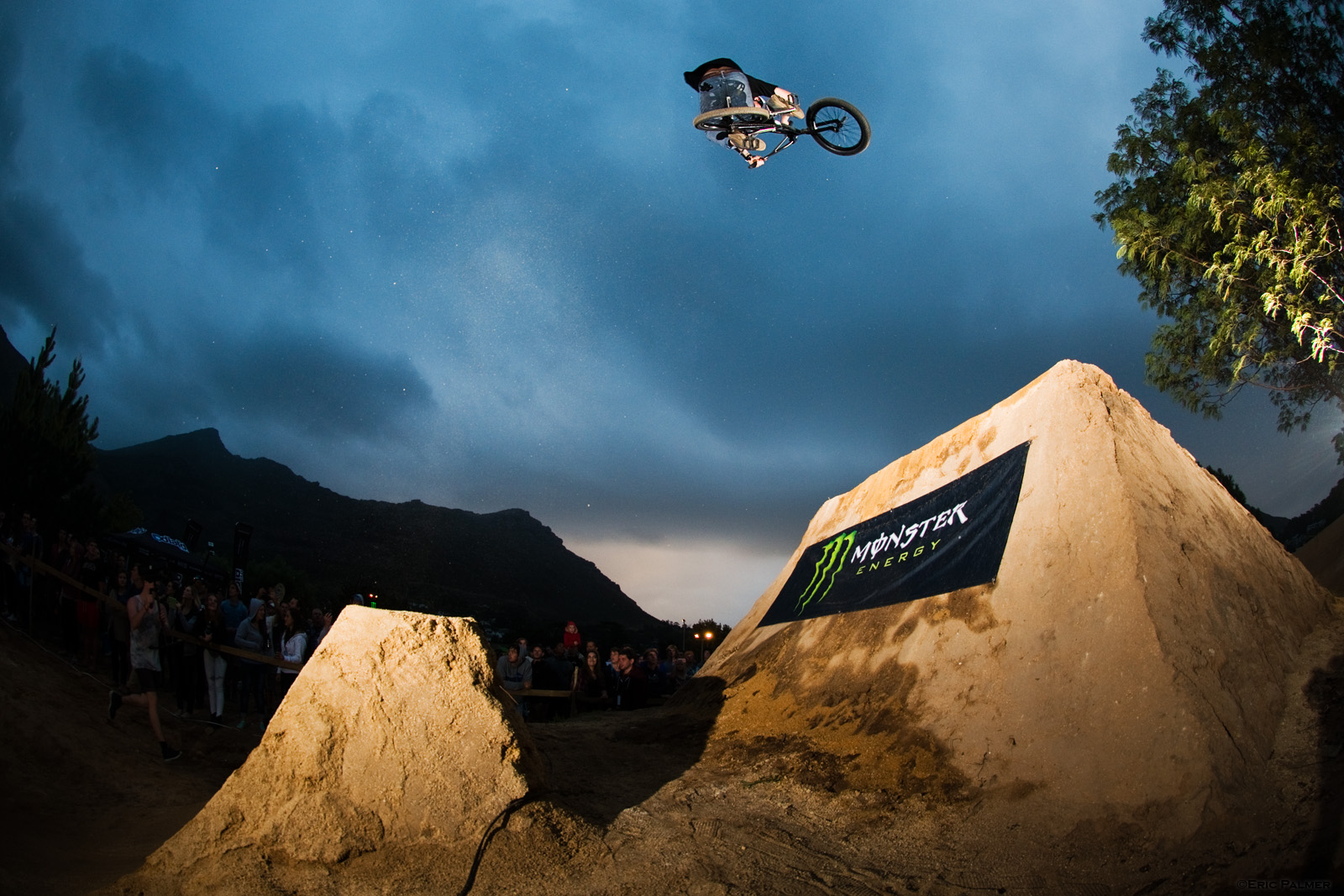 The Night Harvest 2014 BMX And MTB Dirt Comp Review LW Mag