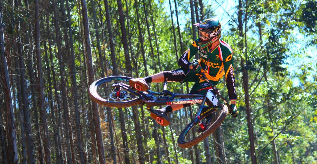 Greg Minnaar talks the 2014 Downhill MTB season