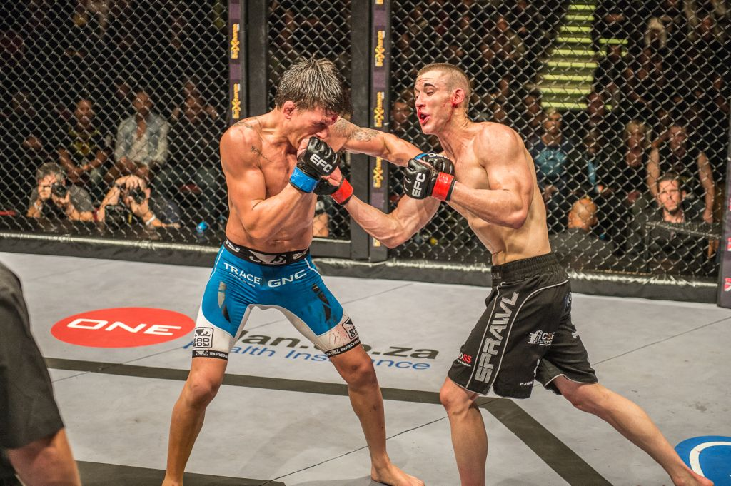 The Superfight between Don Madge and Boyd Allen at Efc Africa 30