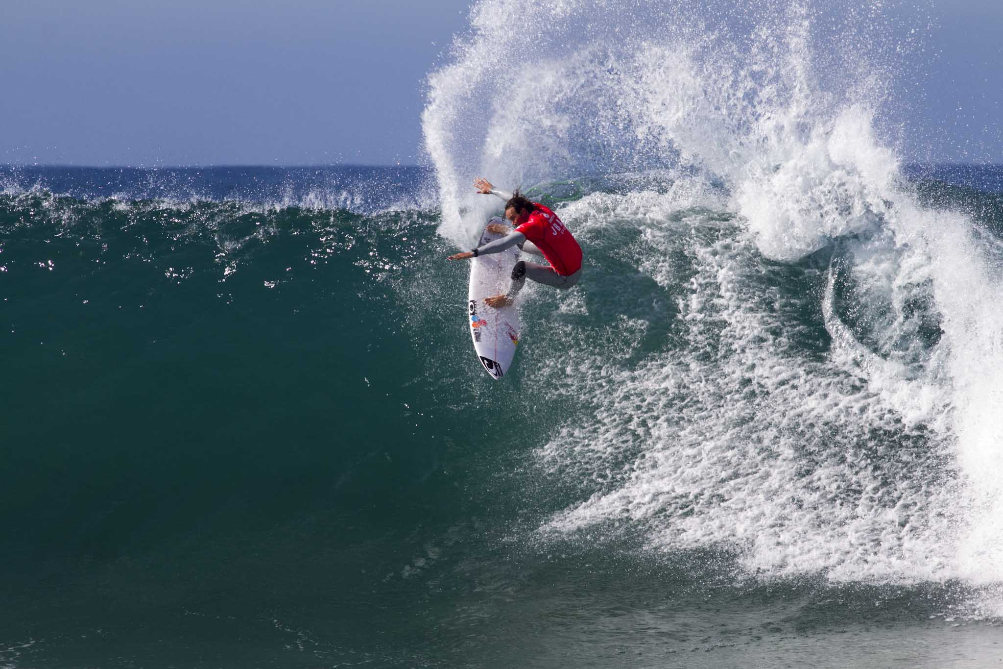 Jordy Smith surfing to a perfect 10 point ride