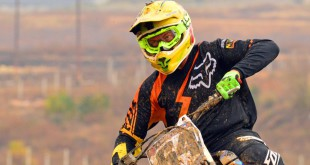 We test the new Fox Air Defence motocross goggle