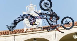 Levi Sherwood busting huge Freestyle Motocross moves in Madrid