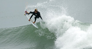 Beyrick De Vries surfing his way to victory at the Quiksilver Get Free Series Port Alfred