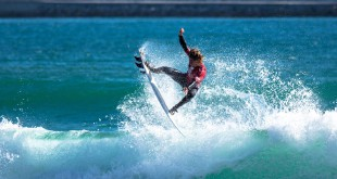 Beyrick De Vries surfing his way to victory at the Vans Surf Pro Classic
