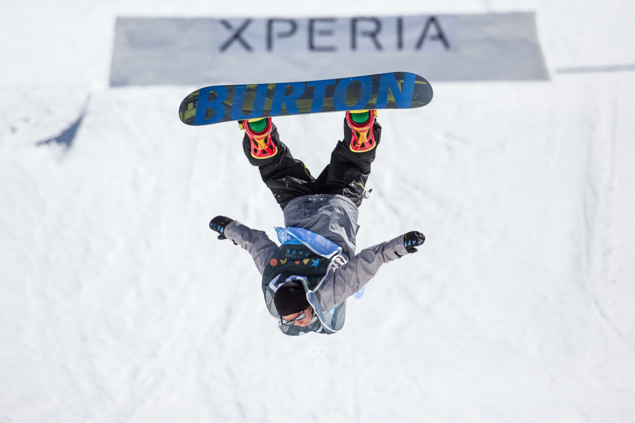 Ethan Terblanche Snowboarding his way to victory in the Junior division at Xperia Winter Whip 2016