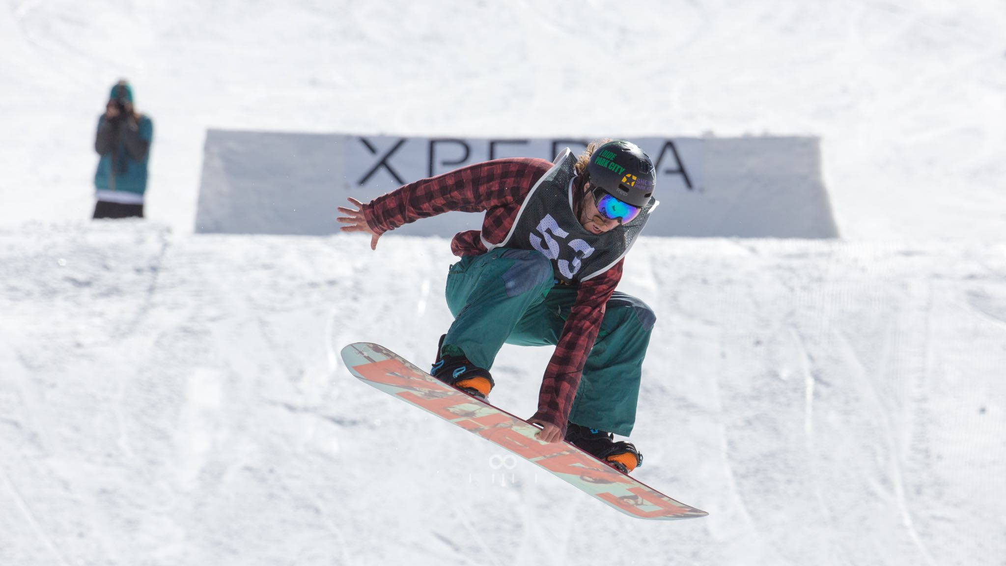 Andrew Le Roux Snowboarding his way to victory in the Pro Mens division at Xperia Winter Whip 2016