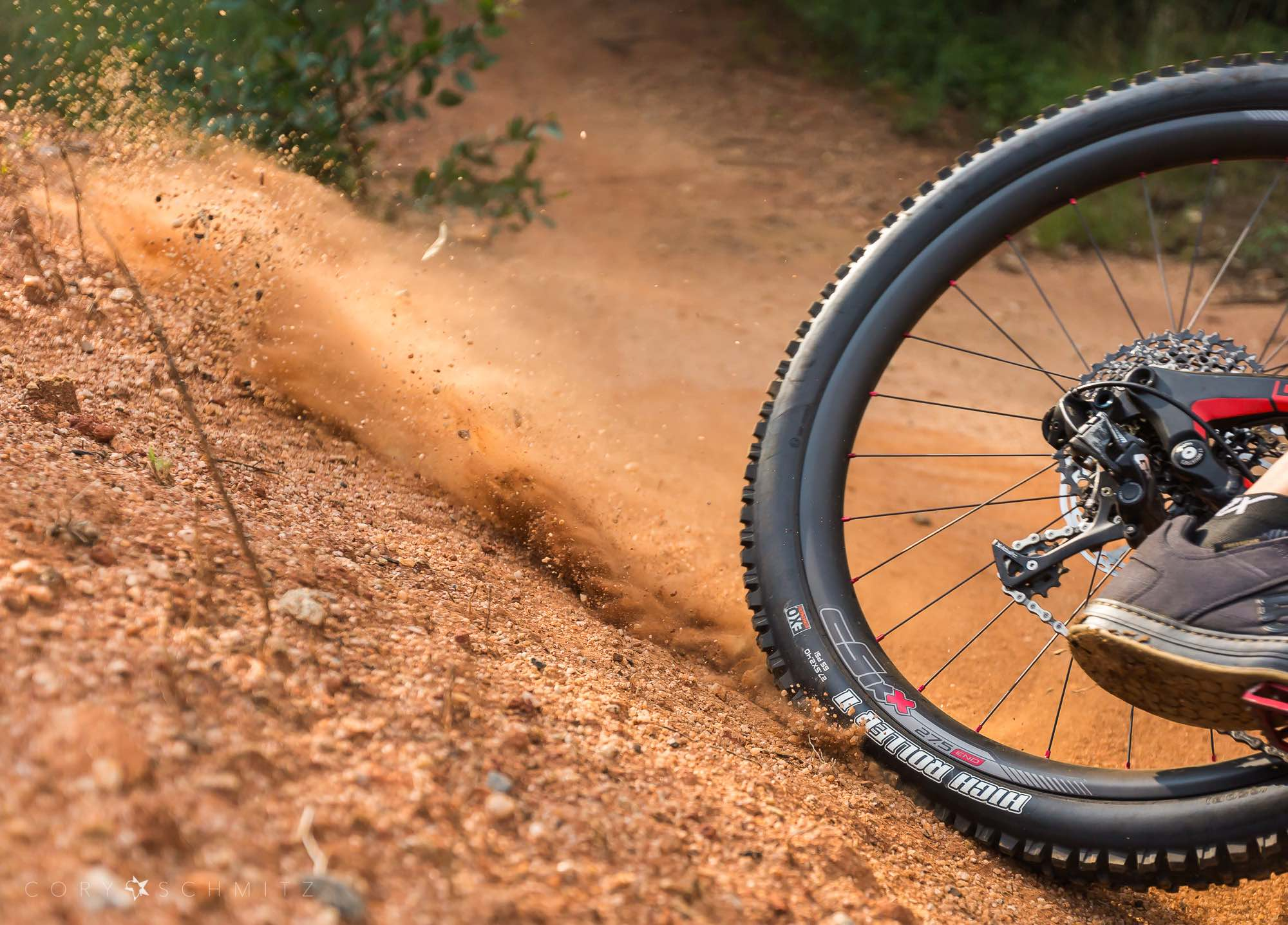 We test and reeve the awesome cSixx END 9Series carbon rims