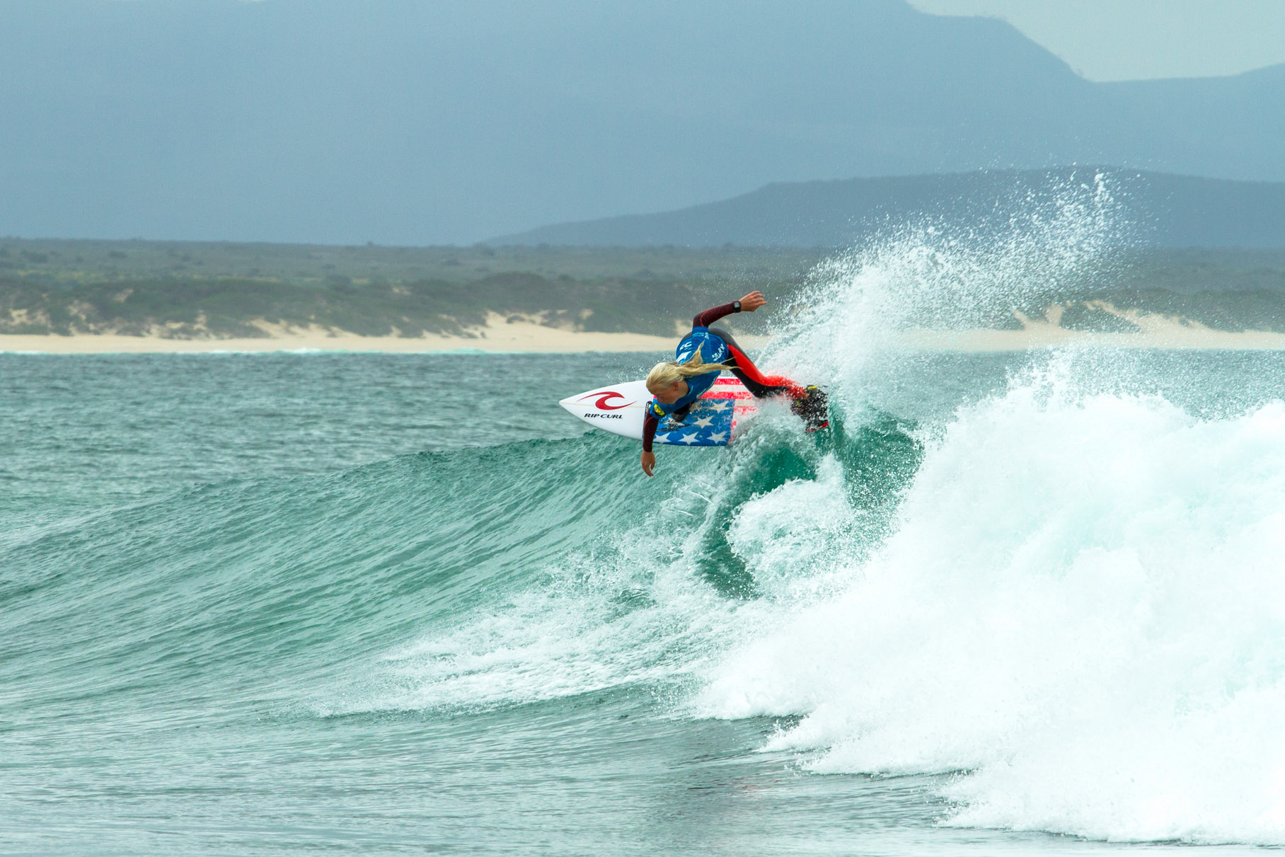 The second edition of the popular BOS Cape Crown presented by Billabong surfing contest returns to Long Beach