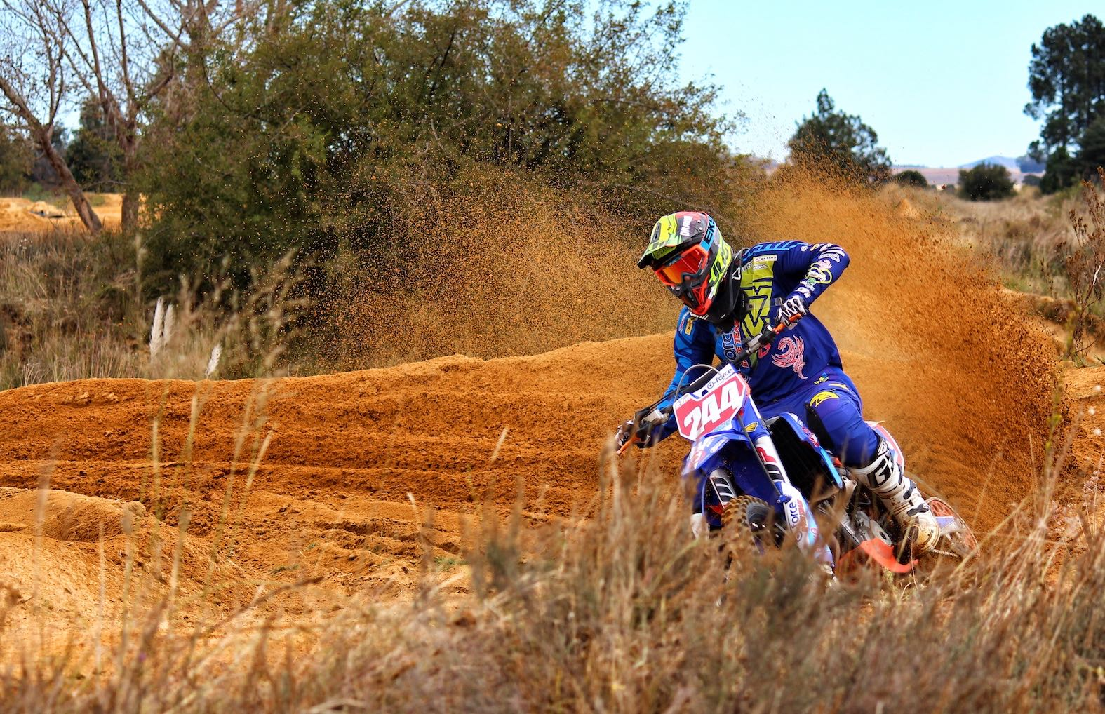 #SandDreams with Nanda Clowes motocross video and interview feature