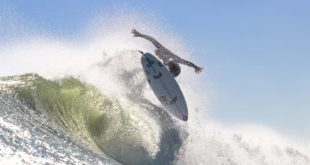 Alex Ribeiro surfing his way to victory at the Jordy Smith Cape Town Surf Pro