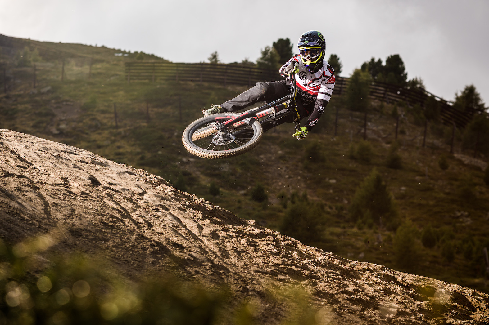 We talk to Sam Reynolds about winning the 2017 Suzuki Nine Knights Freeride MTB event