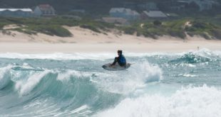 Eli Beukes surfing in the Billabong Junior Series