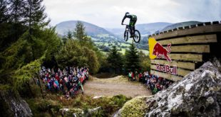 Downhill MTB rider Craig Evans wins the 2017 Red Bull Hardline