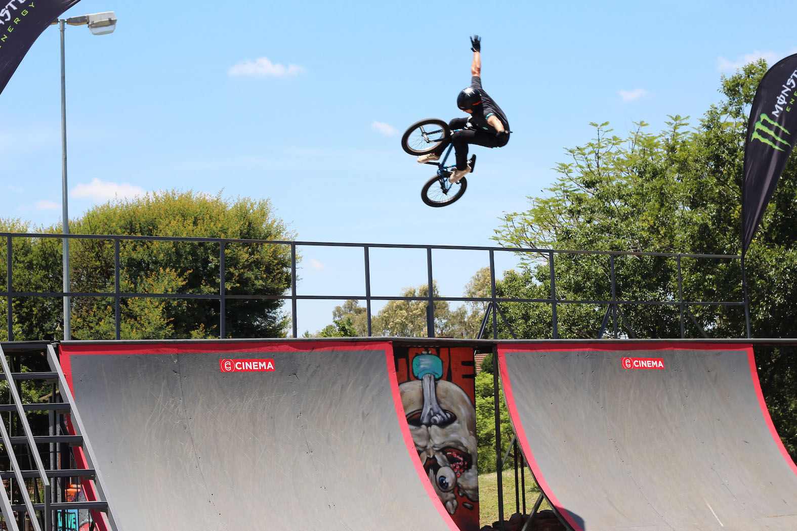 Jason Hood Tuck No hander at the Evals BMX Jam 2017