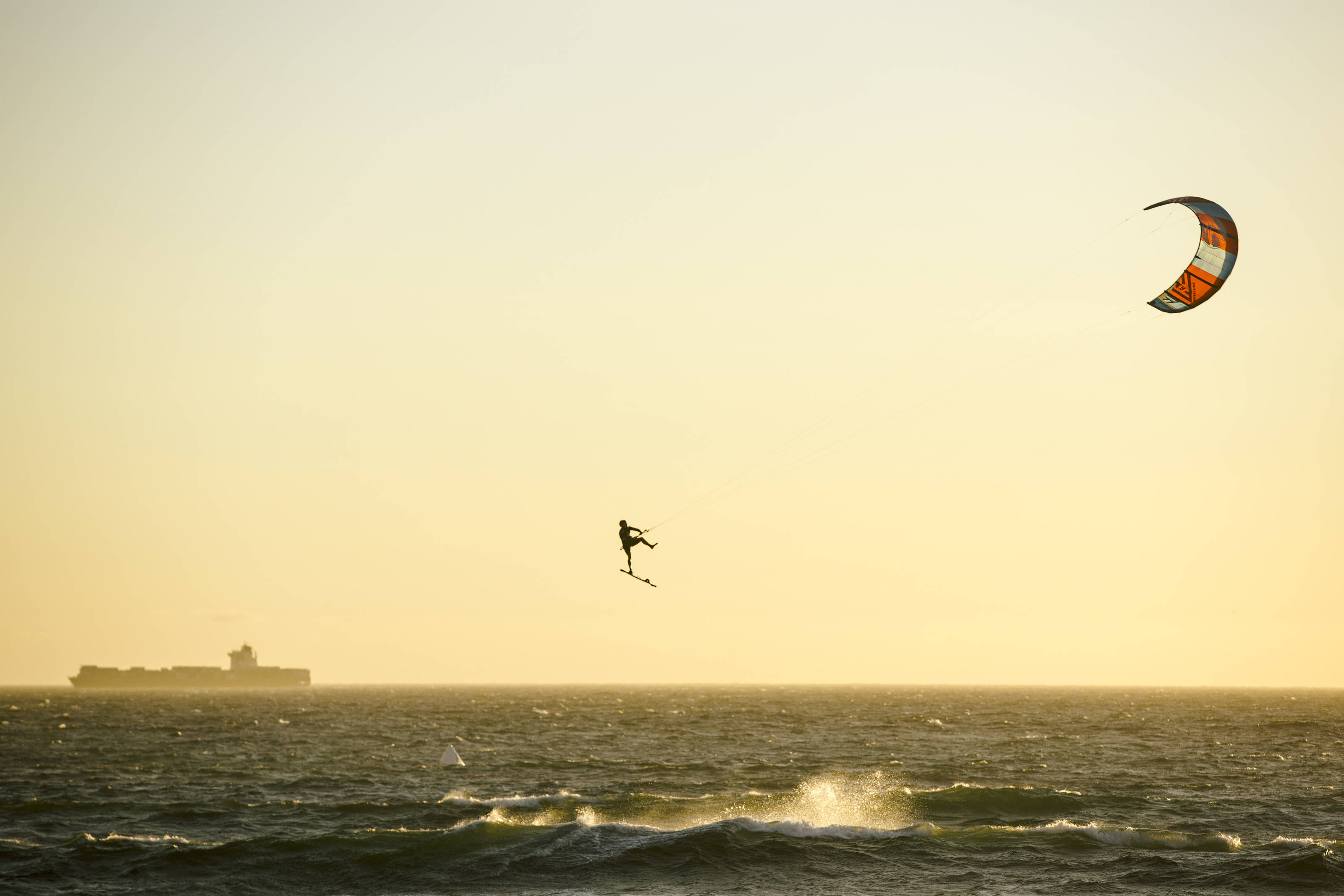 It's that time of year when Cape Town and it's powerful South-Easter gets ready to host the world's best Kiteboarders in the pinnacle of big-air Kiteboarding – Red Bull King of the Air.