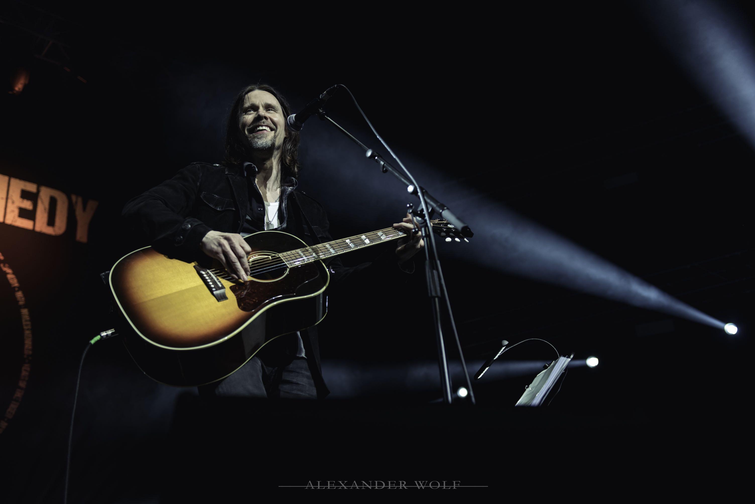 Myles Kennedy performing in Pretoria