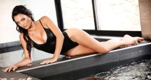 Meet our LW Babe of the Week, Corita van den Berg