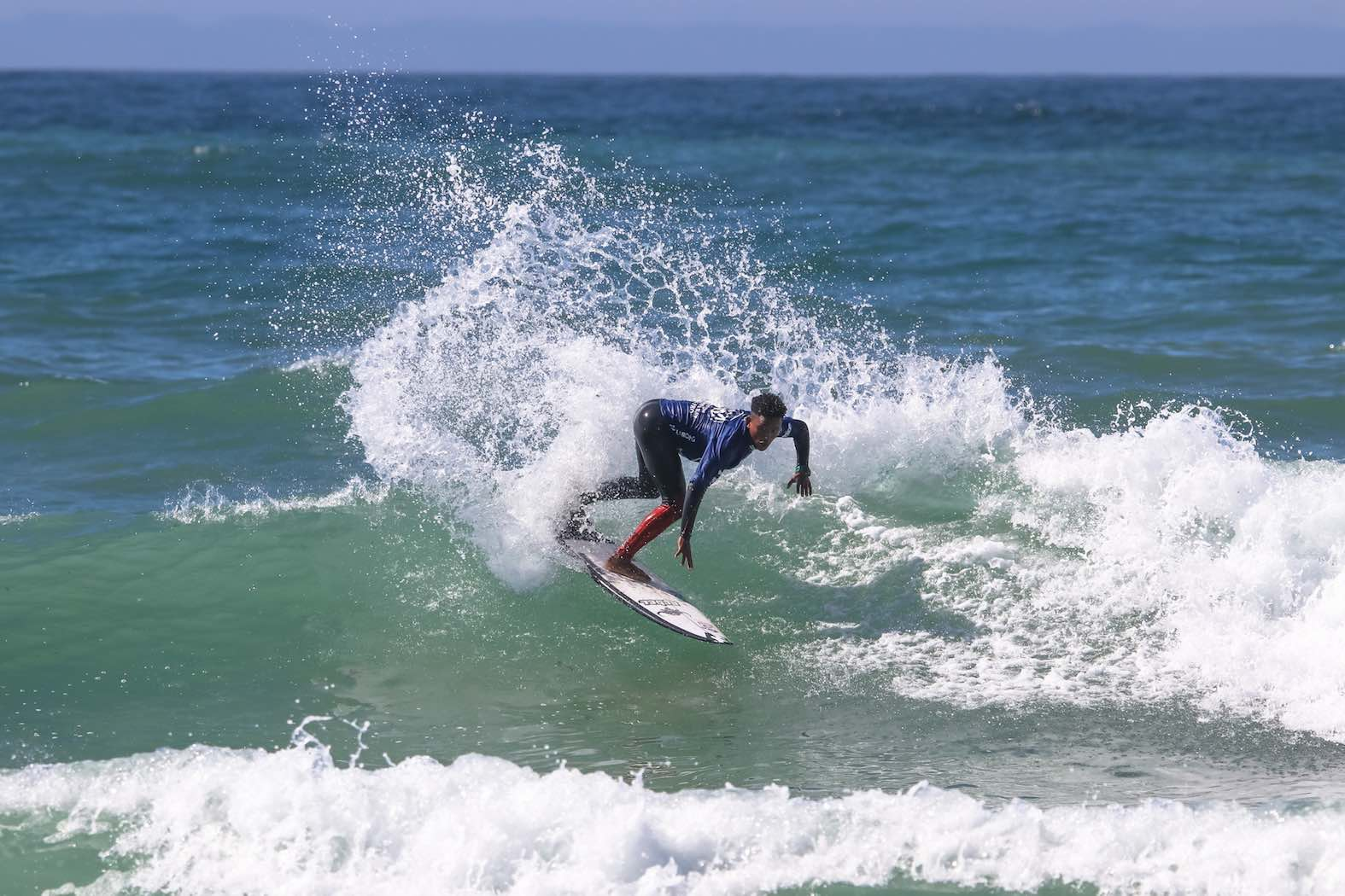 Dillon Hendricks surfing his way to winning the Volkswagen Nelson Mandela Bay Surf Pro