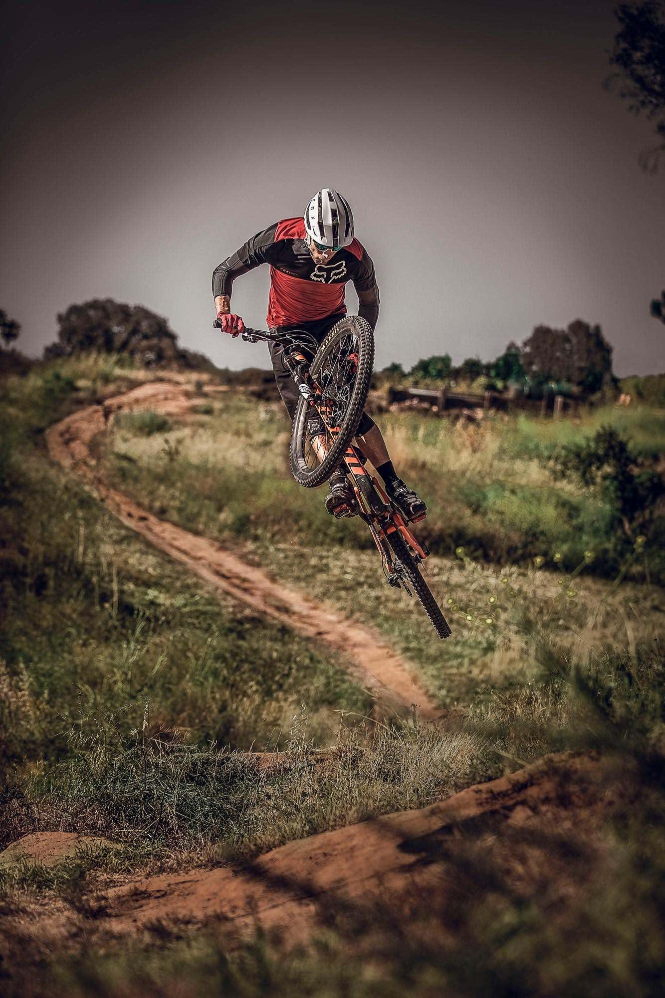 Introducing the all-new FOX Flux Trail Mountain Bike Helmet