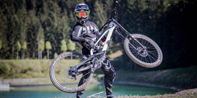 Johann Potgieter 2018 YT Industries TUES Bike Check