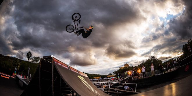 Logan Martin experiences South Africa for Ultimate X
