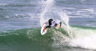 Jordan Lawler surfing his way to victory at the Jordy Smith Cape Town Surf Pro