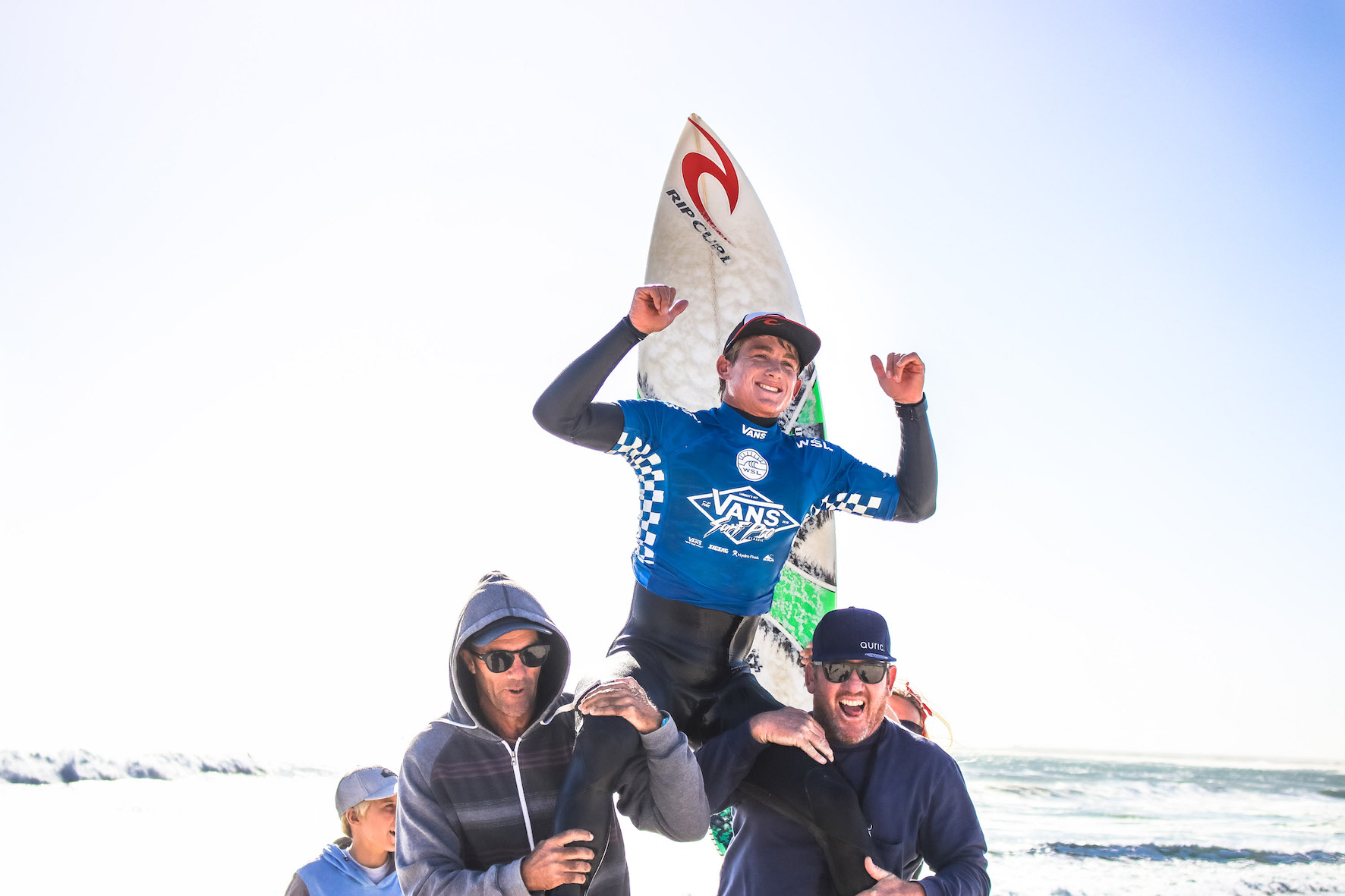 Matt McGillivray surfing his way to victory at the Vans Surf Pro