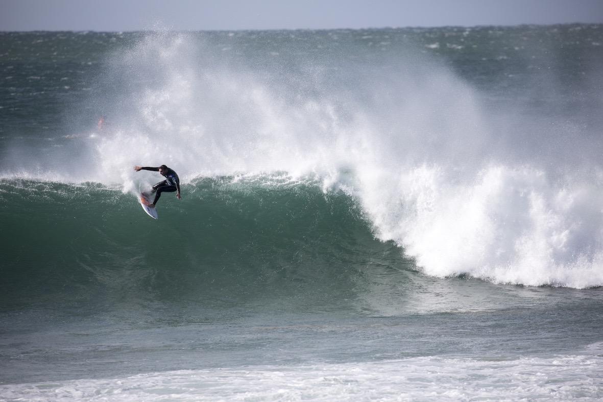Joel Parkinson surfing in the 2018 Corona Open J-Bay