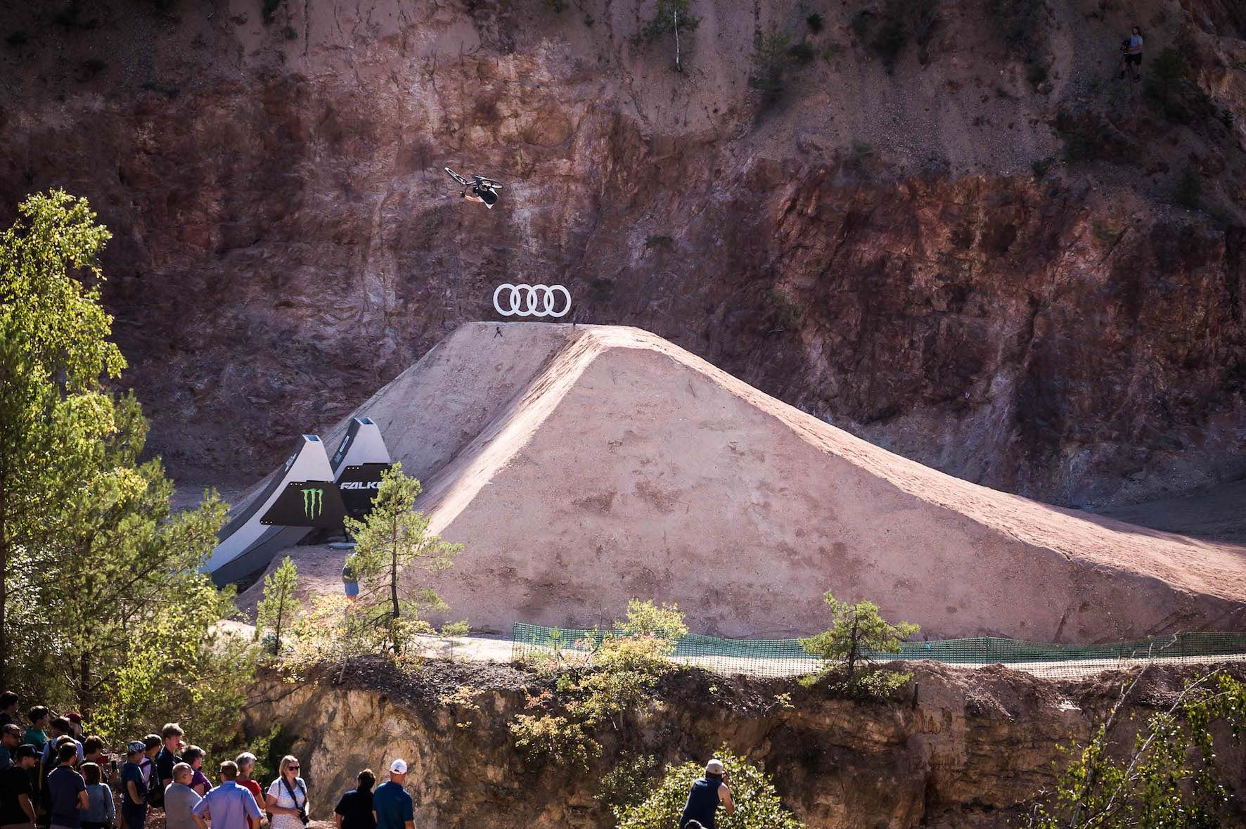 Max Fredriksson sessions the Big Air jump at Audi Nines
