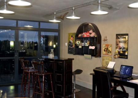 The cool bar area in Artura Tattoo Studio