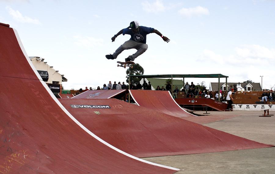 Khule Ngubane wins the 2014 Buck Tour skateboarding contest
