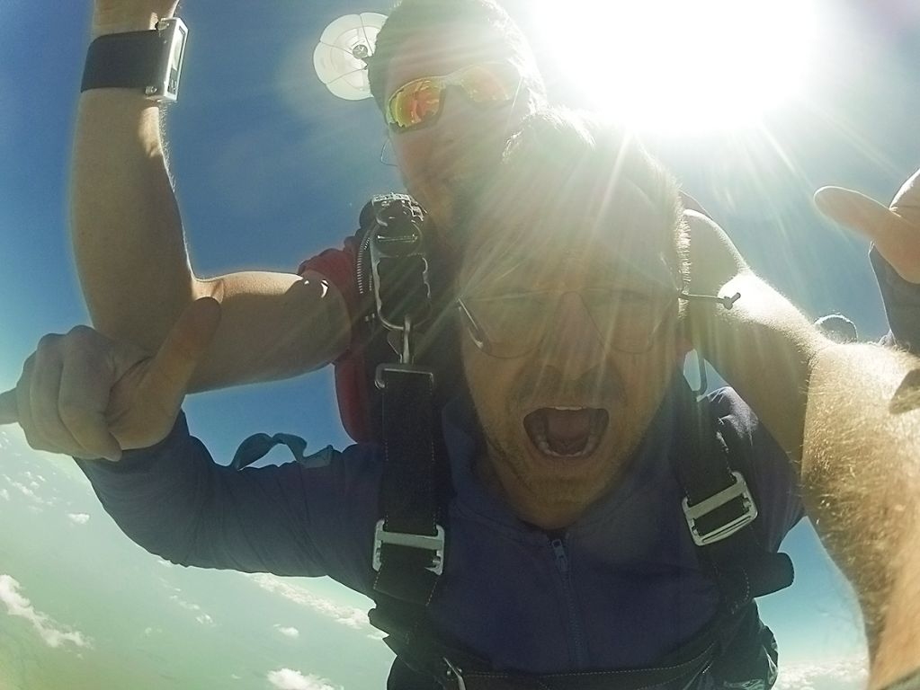 Skydiving with LW Mag   LW Mag