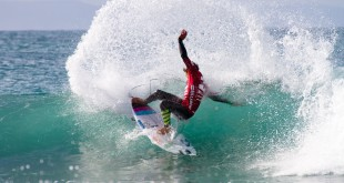 Eithan Osborne surfing his way to victory at the Billabong Junior Series
