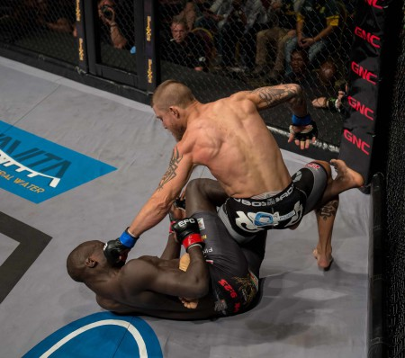 Leon Mynhardt vs Themba Gorimbo at EFC 44