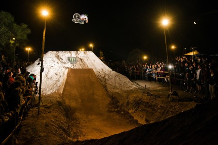Review, results and photos from The Night Harvest BMX and MTB Dirt Contest
