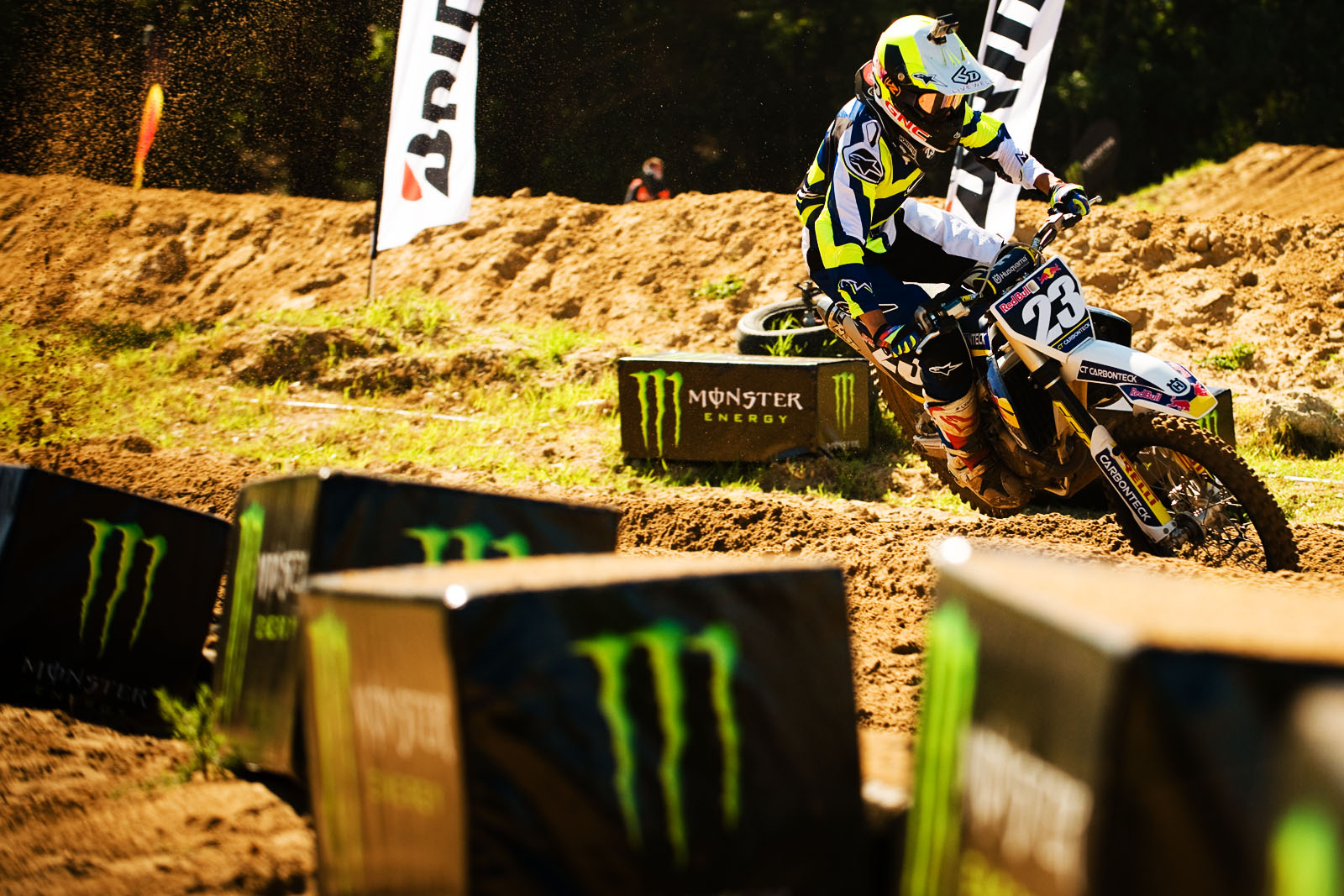 Anthony Raynard racing his way to victory in the MX2 class