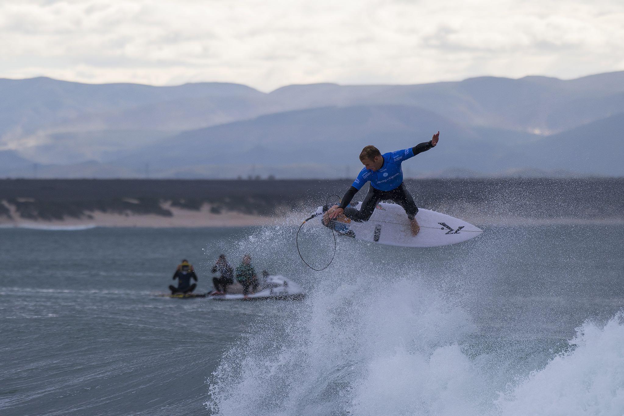 Josh Kerr surfing in the 2016 J-Bay Open