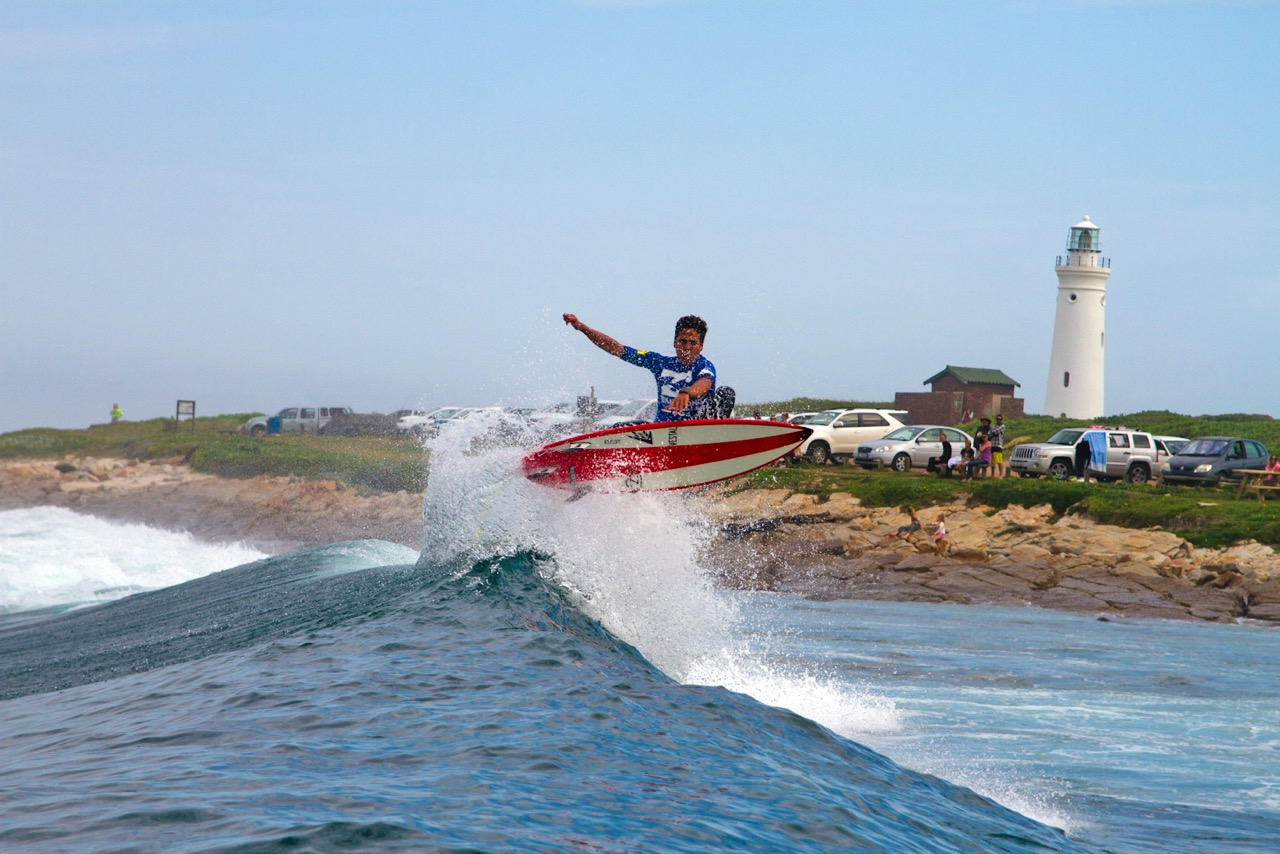 Sebastian Williams surfing his way to the final stop of the Billabong Junior Series