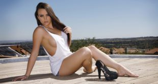 Nicole Wright features as this week's LW Babe of the Week