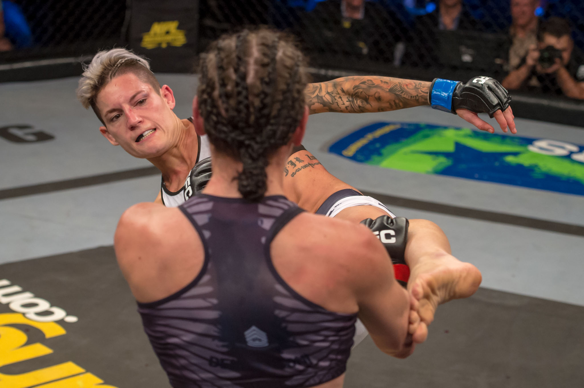 Amanda Lino defeated Jacqualine Trosee at EFC 60 for the inaugural EFC Women's Flyweight title