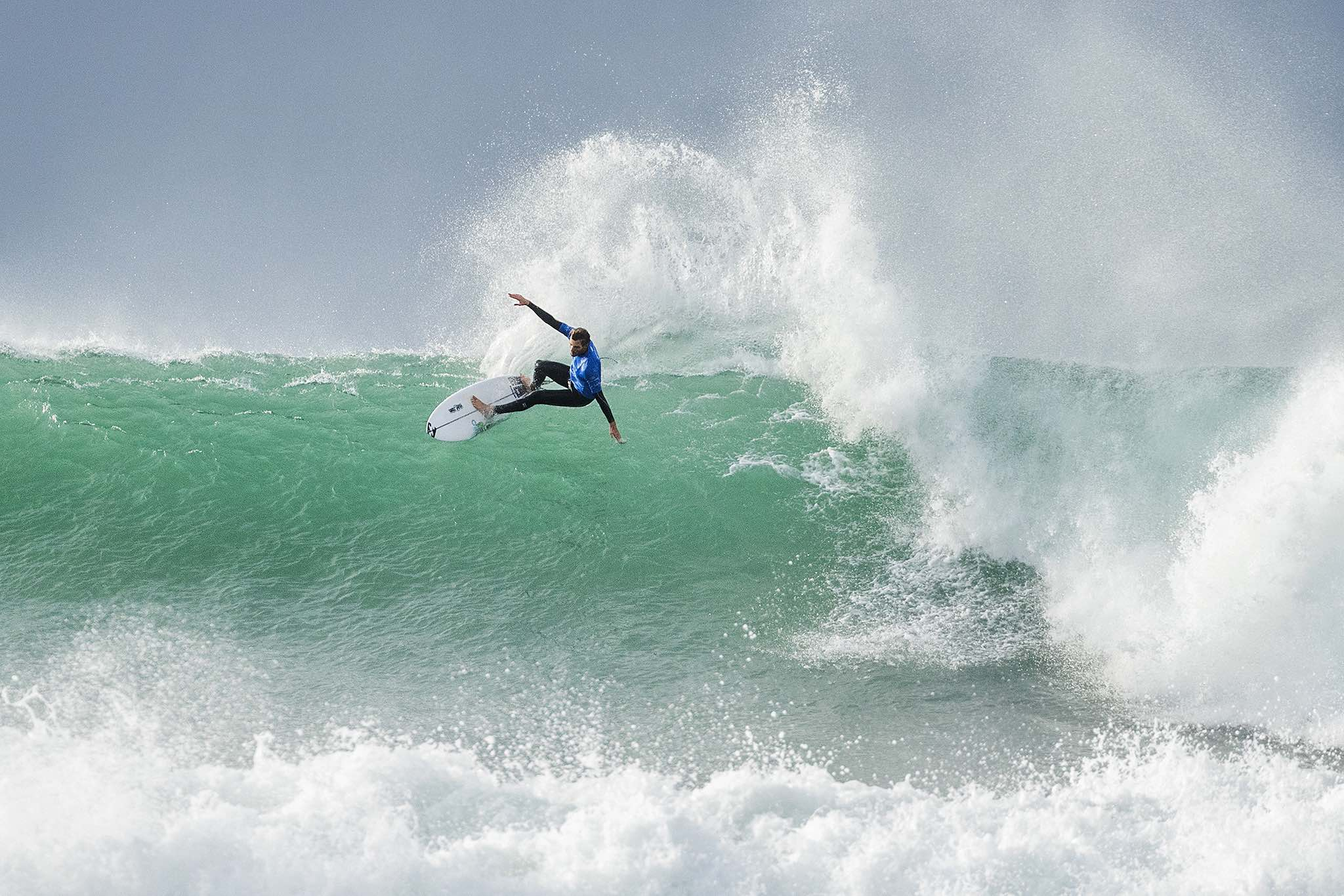Frederico Morais surfing his way to 2nd place at the Corona Open J-Bay