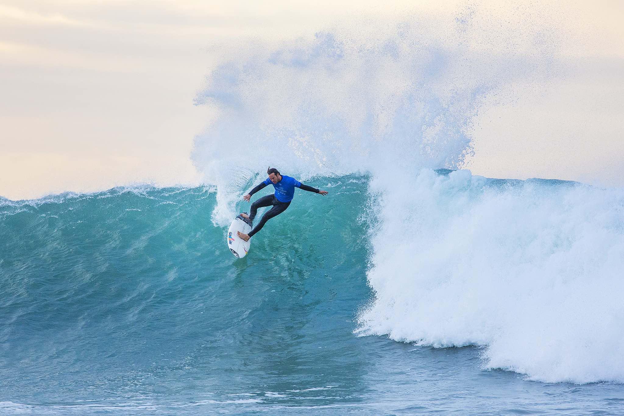 Jordy Smith surfing in the Corona Open J-Bay
