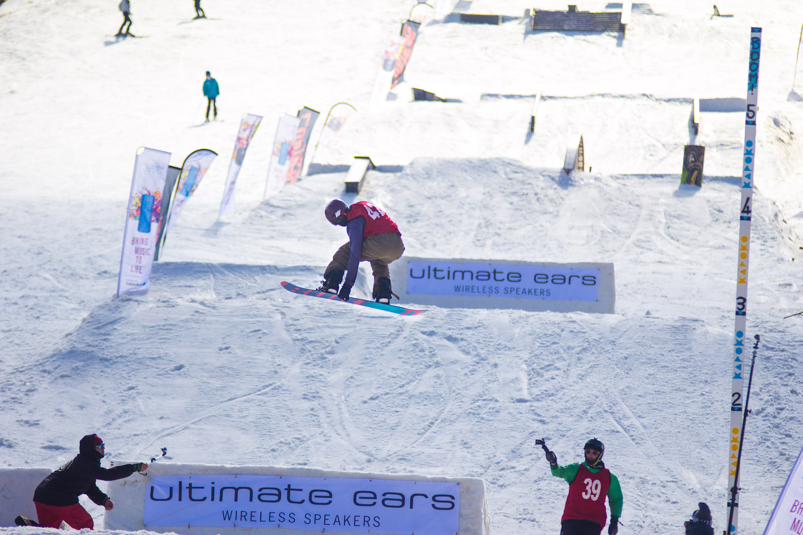 Liam Roy snowboarding his way to victory at the 2017 Ultimate Ears Winter Whip