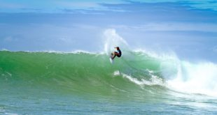 Calvin Goor surfing in the Billabong Junior Series