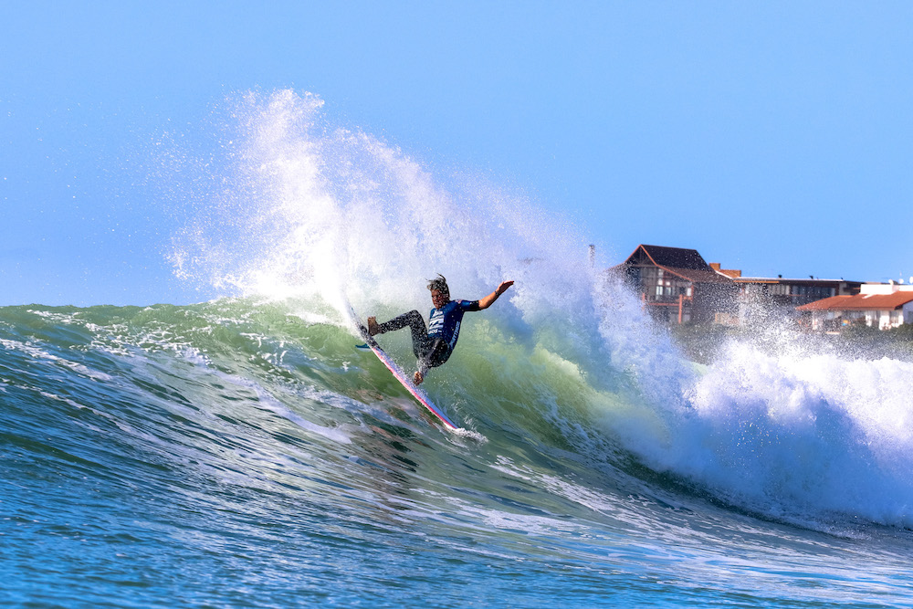 Calvin Goor surfing in the 2017 Billabong SA Junior Champs