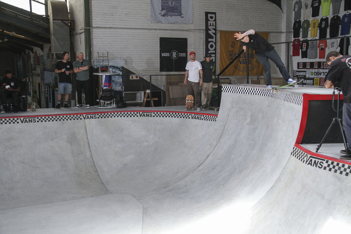 Cape Town locals skating the Shred's new skate bowl