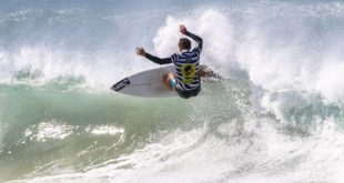 David van Zyl surfing his way to victory in the 2018 Volkswagen Nelson Mandela Bay Surf Pro