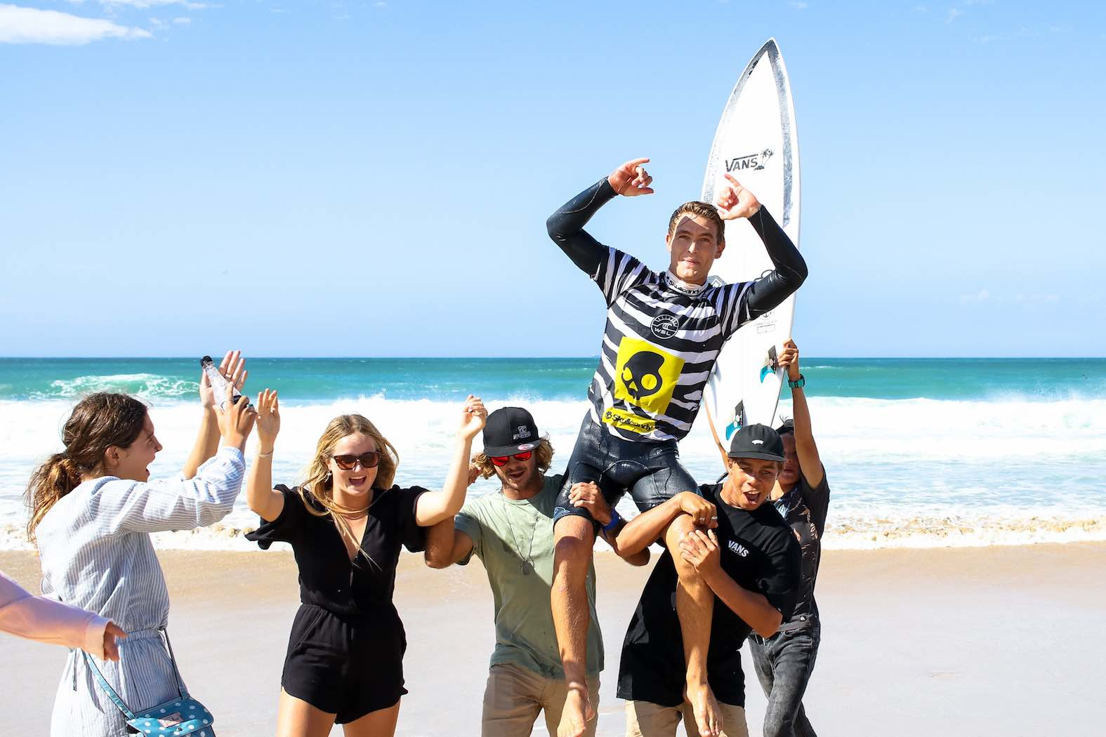 David van Zyl celebrating his victory at the Volkswagen Nelson Mandela Bay Surf Pro