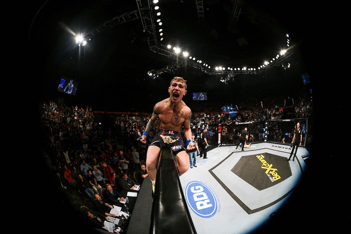 JP Buys displayed spectacular MMA skills to defeat his opponent and claim the EFC Bantamweight Title