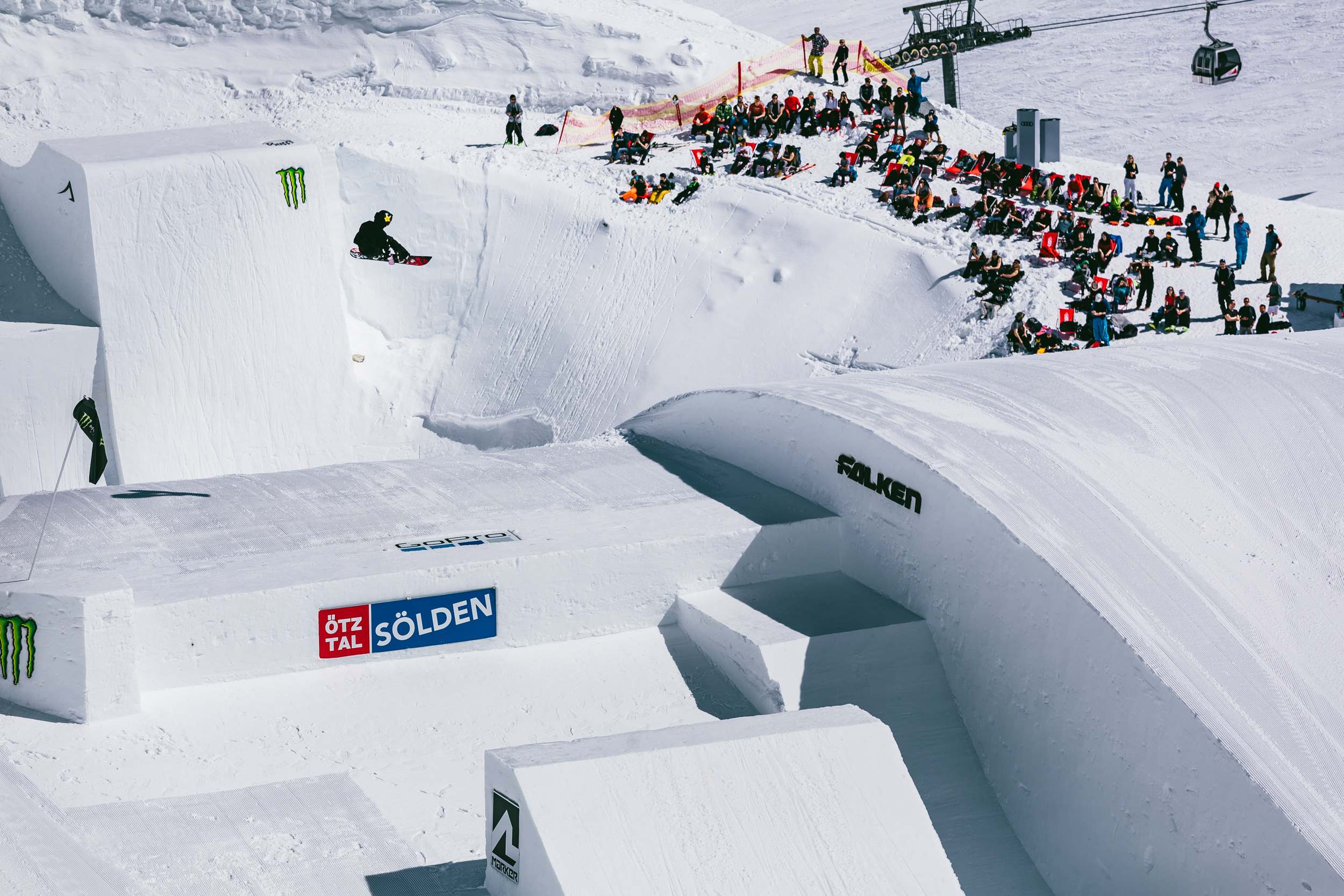 Hailey Langland winning the Women's Snowboard Big Air at the 2018 Audi Nines